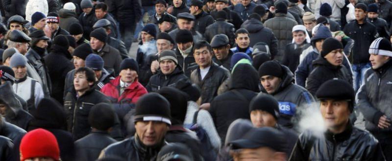 Росстат бьет тревогу! России срочно нужны мигранты