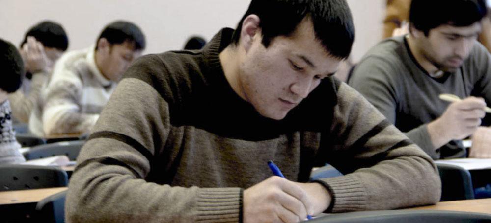 Решение президента России обеспечить участников студотрядов профессиональным образованием